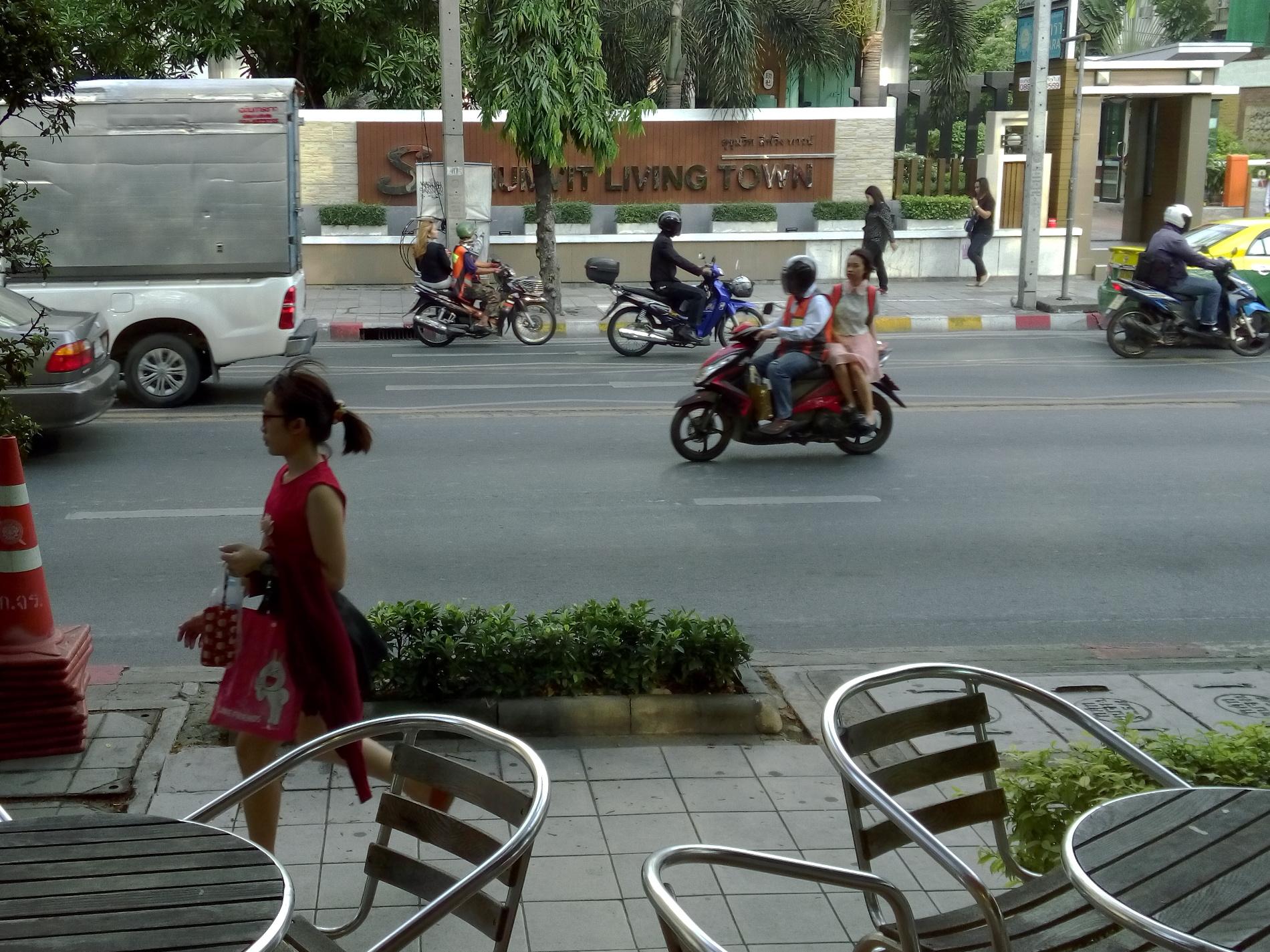 Les Taxi-scooters, très nombreux à Bangkok